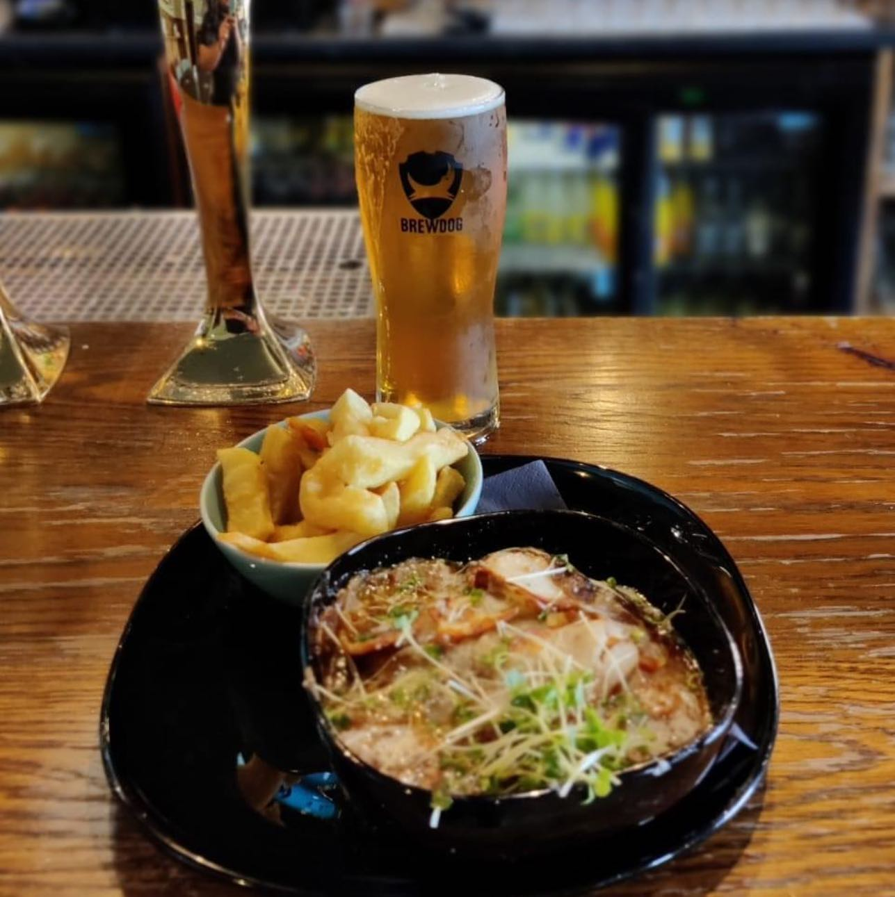 Today's special 🥰Steak and potato pie Food served until late 🌮🌮 Ps Punk ipa is optional but definitely recommended #keeponrockin #TIPSYTUESDAY #TastyTuesday